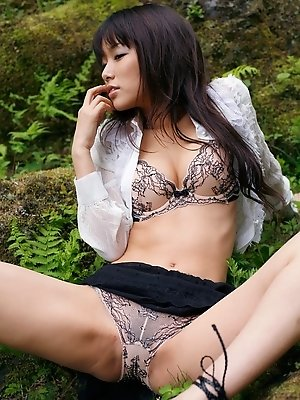 Yua Aida lovely Asian babe is a model who likes showing her sexy body